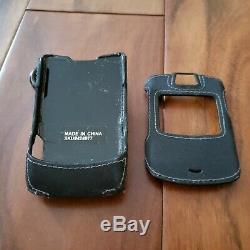 Motorola RAZR V3 GSM AT&T/Cingular Silver Quad band Cellular Phone Bundle Tested