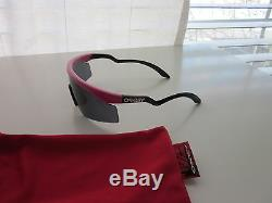New Oakley Razor Blade pink black trigger/grey