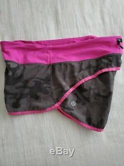 Lululemon Taille 6 Vitesse Courte Wren Camo Paris Course Rose Shorts Gris Noir