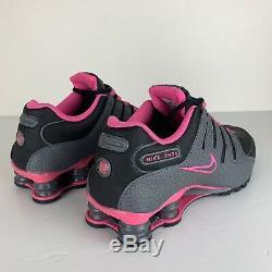 Nike Shox Nz Running Shoe Noir Gris Foncé Rose Explosion Taille 8.5 636088 026