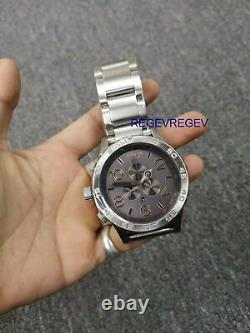 Nixon Watch A0832064 51-30 Chronograph Gris / Or Rose A083-2064 Authentique