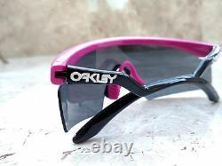 Nouveau! 2005 Gen II Oakley Razor Blades Rose Et Cadre Noir Avec Des Verres Gris Avec Boîte Orig