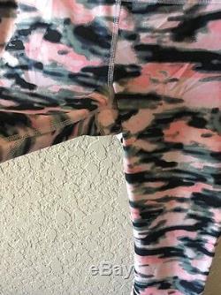 Pantacourt Lululemon Run Inspire Capri Wamo Camo Rose Noir Gris Taille 8