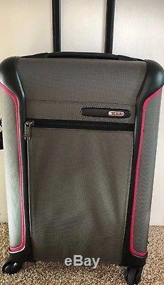 Tumi Léger International Carry On Gris / Noir / Rose 283520grmgo 595 $
